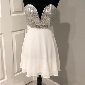 NWT White Sequins Tobi Mini Dress